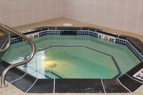 Hampton Inn Ellsworth / Bar Harbor: Whirlpool