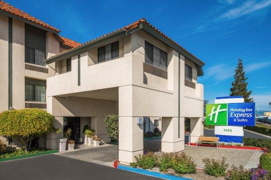 Photo of Holiday Inn Express Hotel & Suites Santa Clara