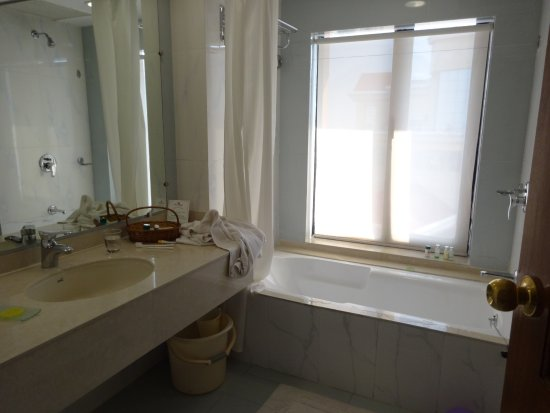 The White Hotels: Washroom.