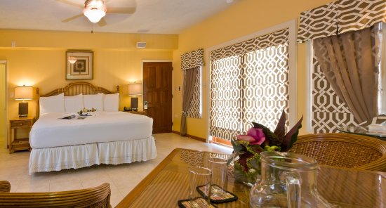 The Villas at Sunset Lane: Guest room