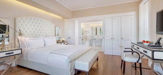 Mr. C Beverly Hills: Mr C Suite Bedroom