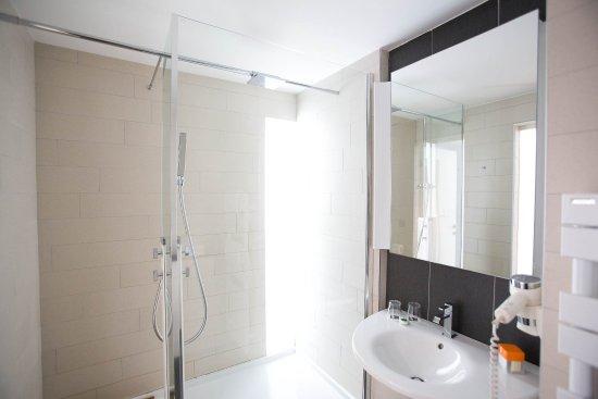 로얄 안티베스 호텔, 레지던스, 비치 & 스파 사진