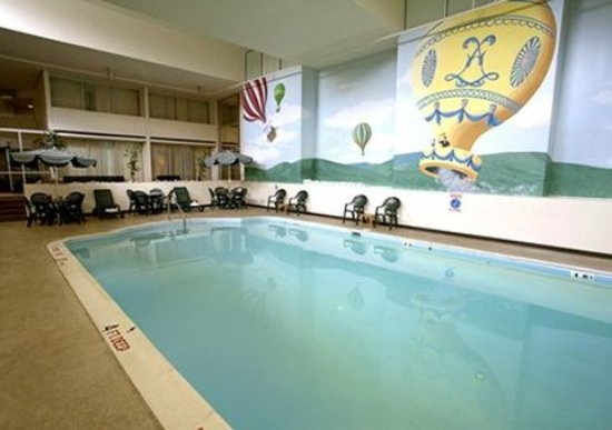 Quality Inn Near Hampton Coliseum : pool