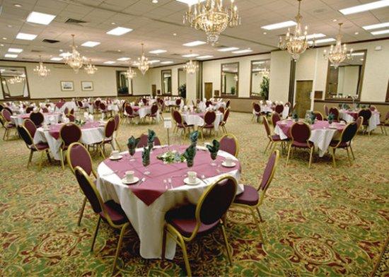 Quality Inn Near Hampton Coliseum : Banquet Room