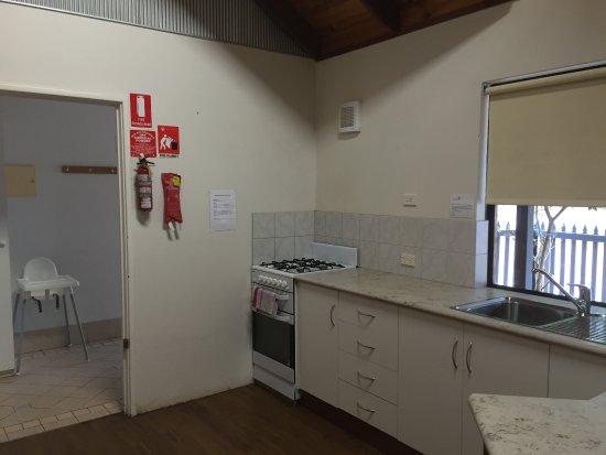Margaret River Hideaway & Farmstay: Kitchen