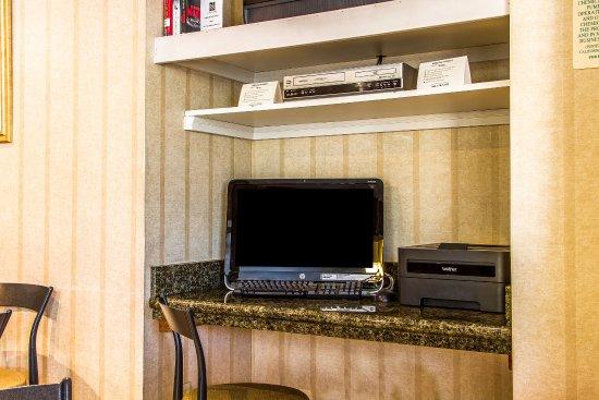 Quality Inn Hayward Hotel: Computer