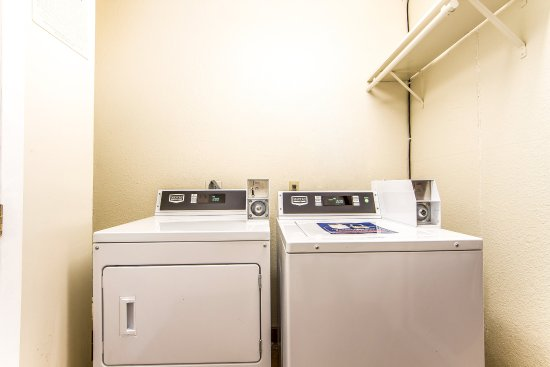 Quality Inn Hayward Hotel: Laundry