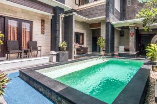 Denays House : pool