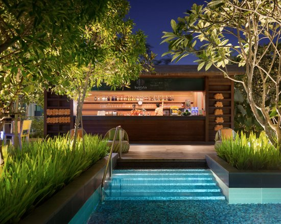 pool bar. Hotel Jen Orchardgateway Singapore: Rooftop Pool Bar