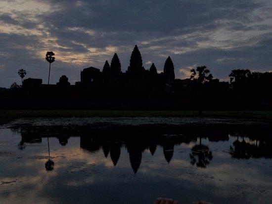 Angkor Guide Sopanha Private Tours: Angkor Wat Sunrise