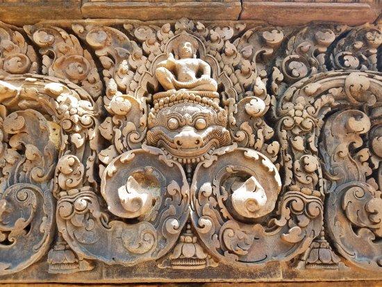 Angkor Guide Sopanha Private Tours: Banteay Srei Temple
