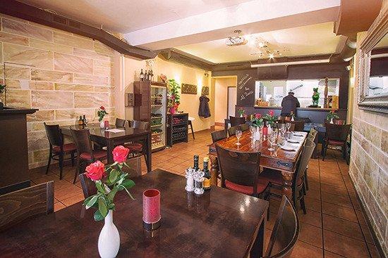 Restaurant mit offener Küche - Bild von Trattoria Al Dente ...