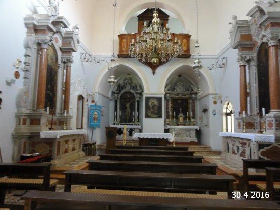 Visovac Monastery : Inside the church