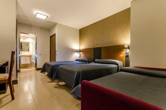 Hotel Regio Cádiz: Triple tres camas