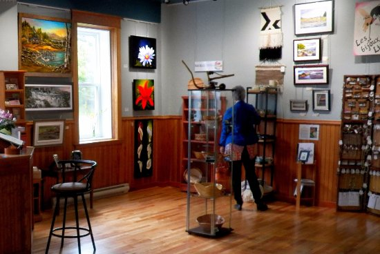Grand Falls, Kanada: The gallery occupies the ground floor of an historic Masonic lodge