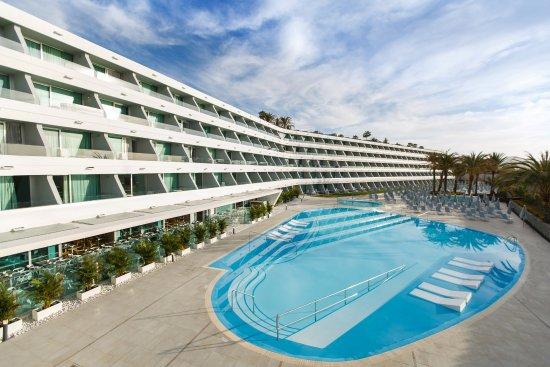 Santa Mónica Suites Hotel: Piscinas