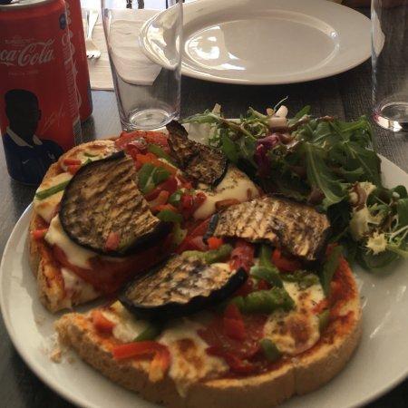 Le Savoa : Delicious bruschetta!!!