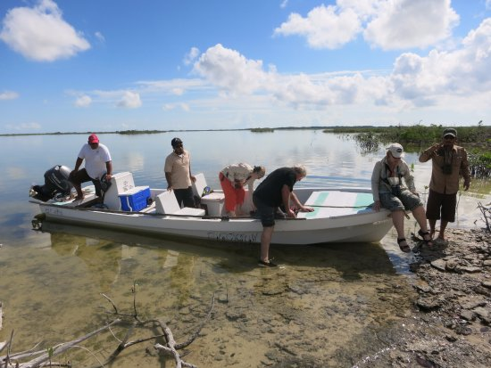 Sarteneja, Belice: embarking the boot at the end of the lagoon