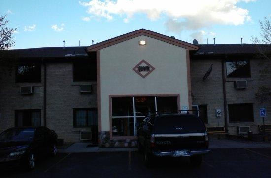 Summit Inn Photo