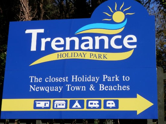 Trenance Holiday Park: Entrance Sign
