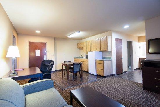 Comfort Inn & Suites: suite