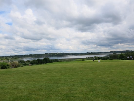Glasson Country House Hotel & Golf Club : Taken from room window down to the river Shannon.