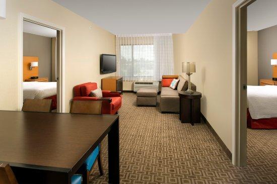 TownePlace Suites Lexington Park Patuxent River Naval Air Station: Two Bedroom Suite