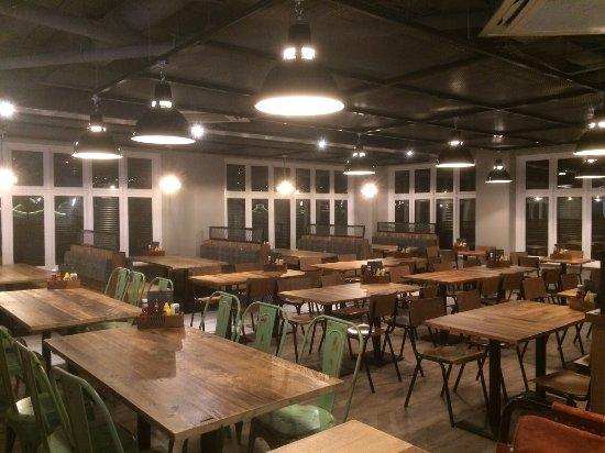 Addlestone, UK: New Restaurant Again