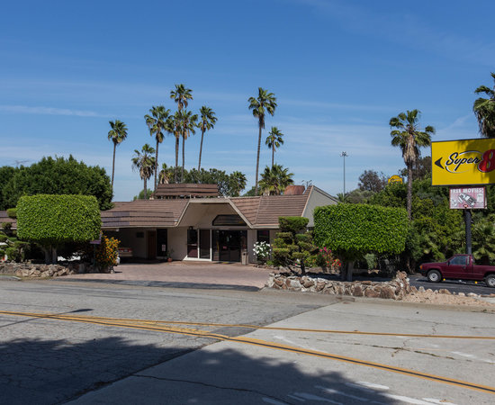 Super 8 long beach motel californie voir les tarifs for Trouver un motel