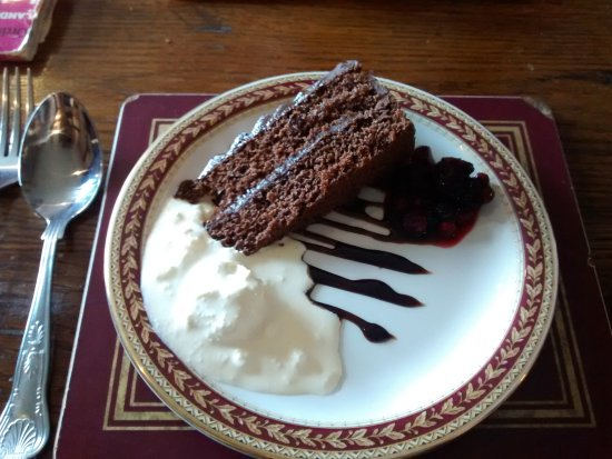 Warwickshire, UK: Chocolate Fudge Cake