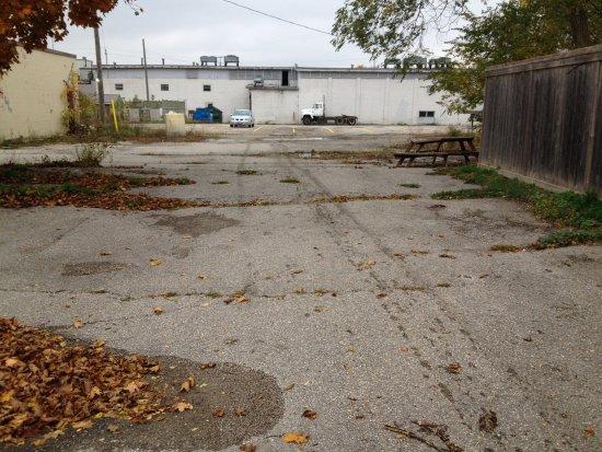 Walkerton, Canada: parking lot