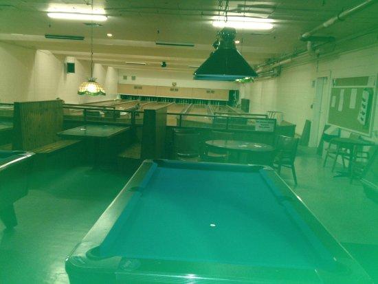 Walkerton, Canada: bowling ally