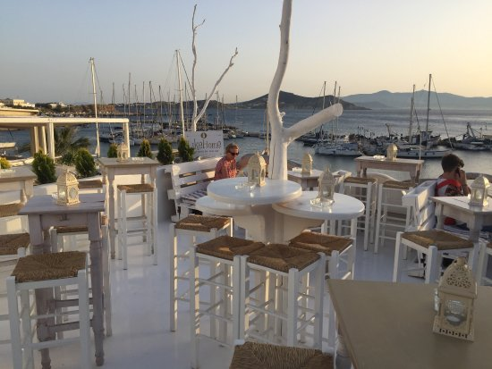 Ciudad de Naxos, Grecia: Like Home Bar
