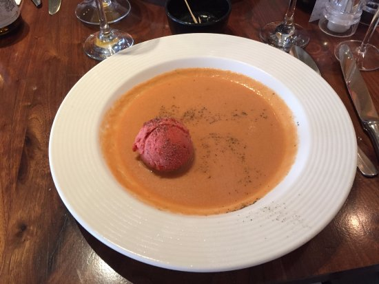 Strombeek-Bever, Belgia: Gazpacho with Raspberry, Fennel and Basil Sorbet