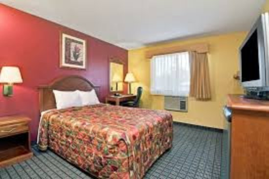 Days Inn Torrington: King Room