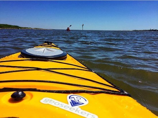 Tybee Island, จอร์เจีย: Kayaking out to Cockspur Lighthouse