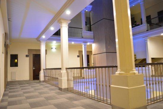 Hotel Abu: segundo nivel