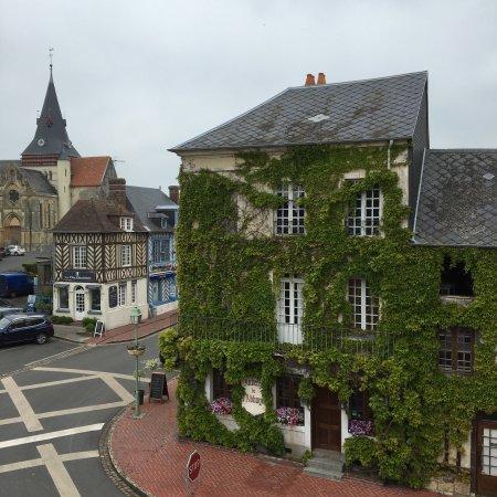 Beaumont-en-Auge, ฝรั่งเศส: Auberge de l'Abbaye