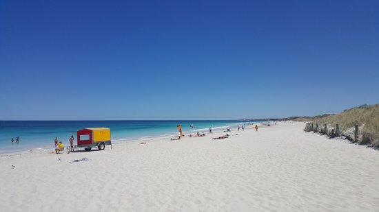 Mullaloo Beach at the Surf Club