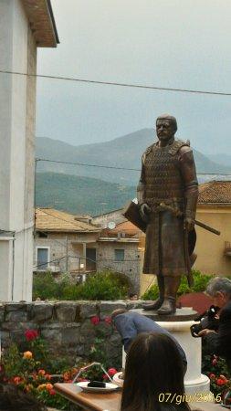 Celle di Bulgheria, Италия: Il giorno dello svelamento