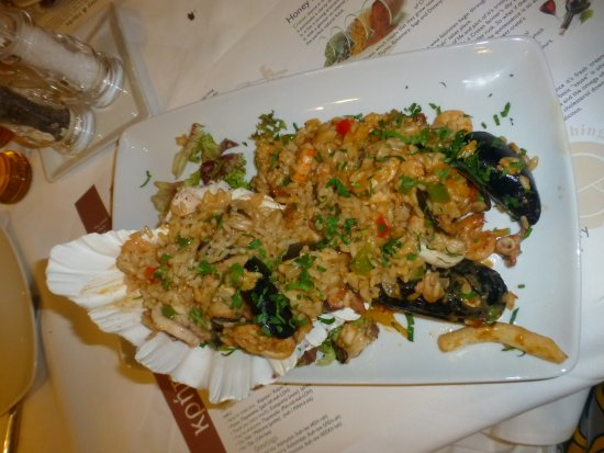 Camelot Restaurant: Fish starter......Seafood risotto