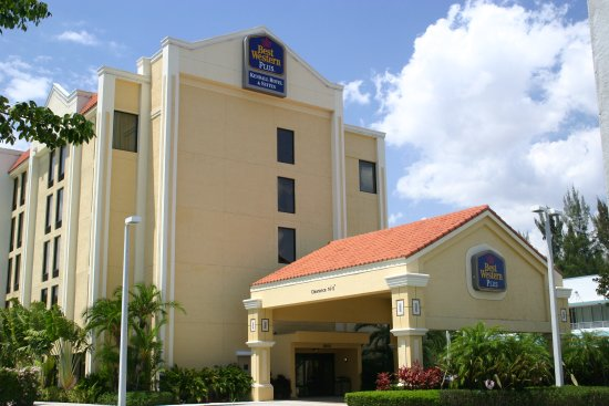 Best Western Plus Kendall Hotel & Suites: Hotel Entrance