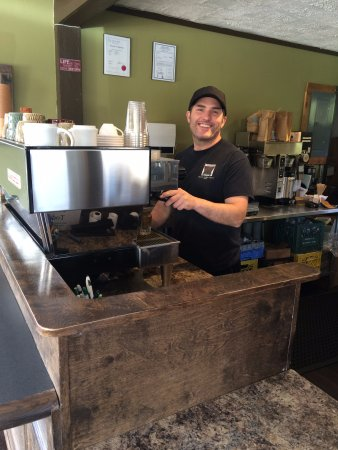 Clinton Coffee House : David gives you the best service ever