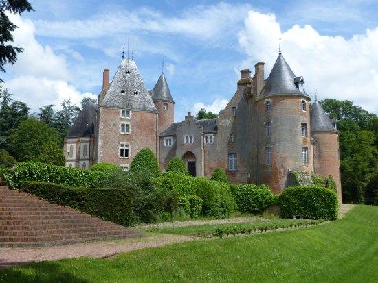 Blancafort, Francia: Le château vu du parc