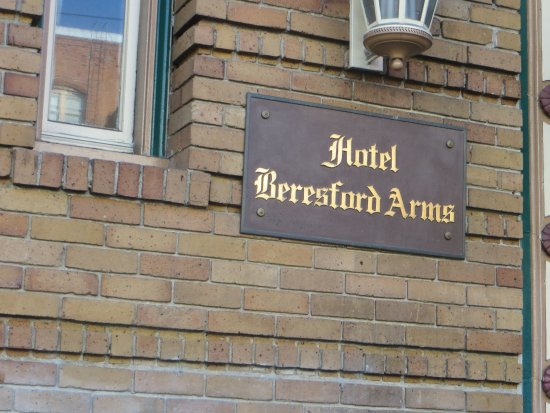 Beresford Arms Picture