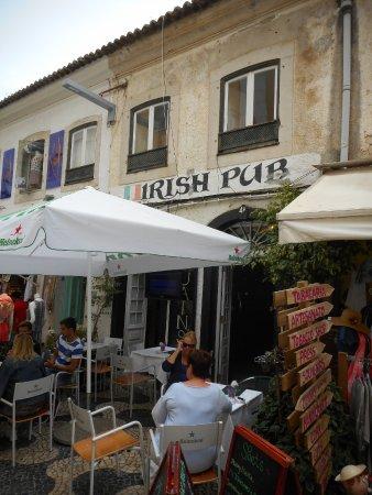 O'Luain's Irish Pub: Terras Irish pub