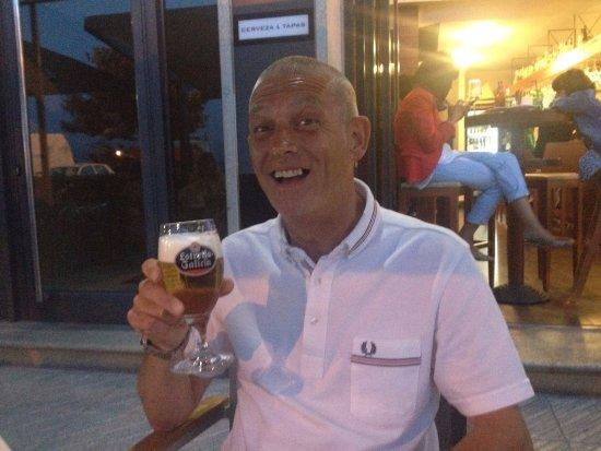 Cerveceria El Puerto: Una cerveza en el terraza