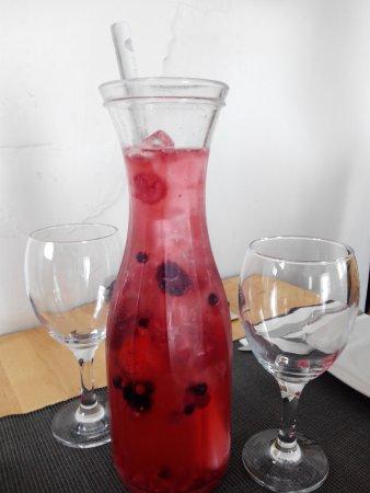 Louro Tapas Bar e Restaurante: Sangria de Espumante