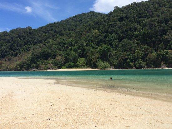 Khuraburi, تايلاند: Wunderschöner Strand - Baden erlaubt