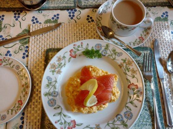 Liongate House: breakfast